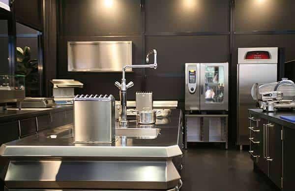 comm kitchen