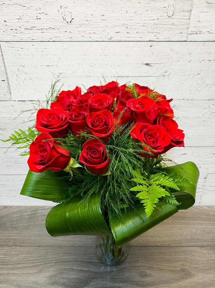 24 red roses - Valentine's Day - Fleuriste Coin Vert - Montréal