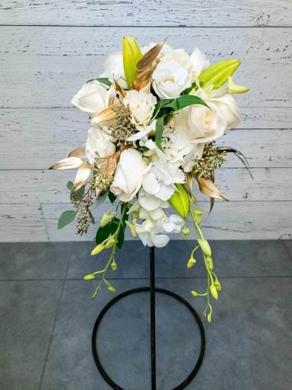 Bouquet de la marié - Cascade or et blanc - Fleuriste Coin Vert