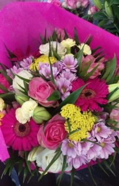 Bouquet du gagnant Youpi Fleurs, réalisé par Camille, artisan fleuriste à Brebières
