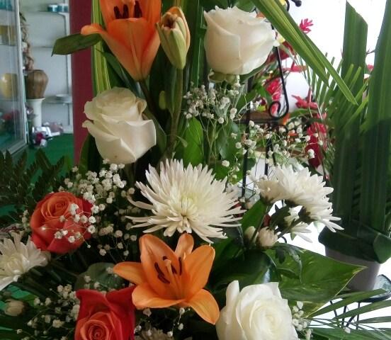 Envoyer des fleursà Schoelcher avec votre fleuriste Fleuristyles