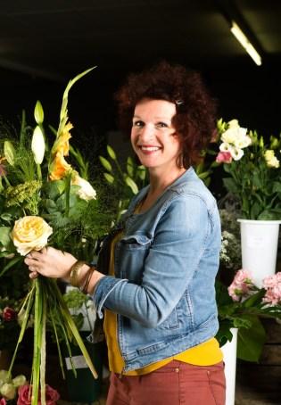 """Votre artisan fleuriste à Bacqueville en Caux (76730), Dorothée pour """"L'AMARYLLIS"""""""