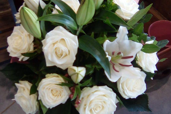 Envoyer des fleurs à Brizambourg avec votre fleuriste Atelier Vie de Fleurs