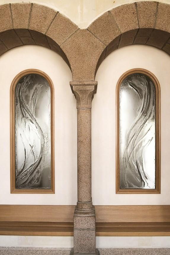 fleur nabert sculpteur abbaye bellefontaine vitraux thermoformés détails verre thème eau