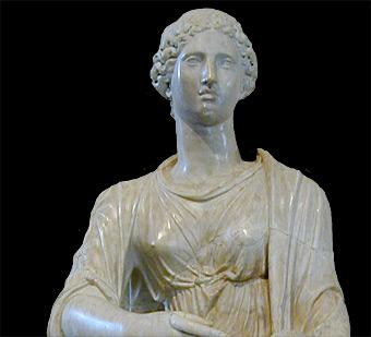 Agrippina wearing tunica and palla