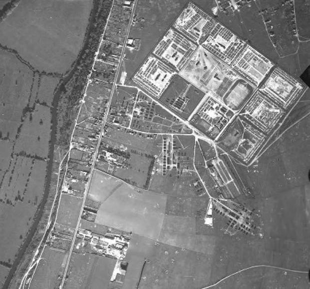 Photo du camp (n°34) de prisonniers allemands à Fleury-sur-Orne en 1946