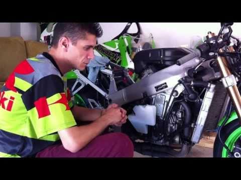 Mantenimiento / Reparación Kawasaki ZX7R (Cambio de embrague) Video Nº1
