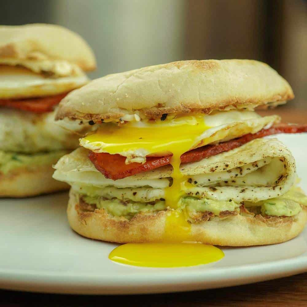 Breakfast Bacon, Egg & Cheese English Muffin Sandwich