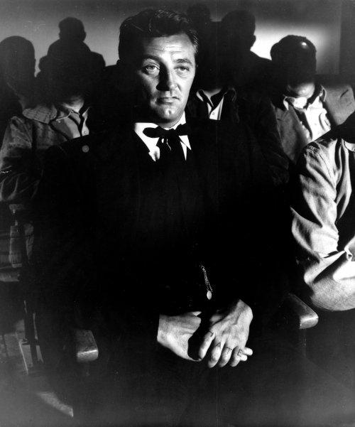 night-of-the-hunter-1955-006-robert-mitcham-00m-faw