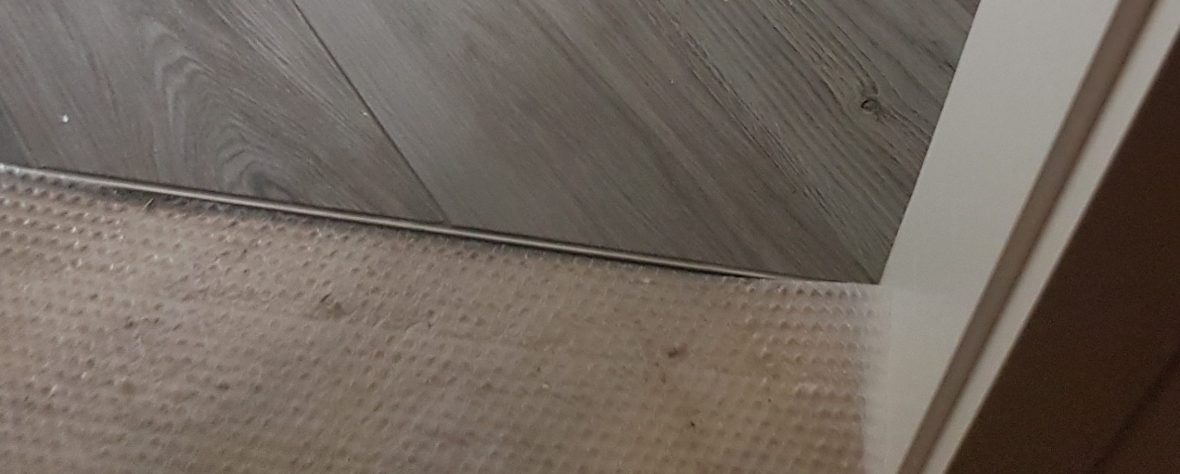 Übergangsschiene der Wohnraumsanierung durch Fliesenleger Wilke in Solingen