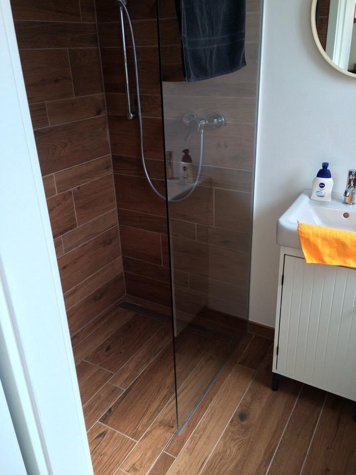 Begehbare Dusche nach Badsanierung in Solingen