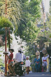 Streets of Ubud on Galungan day 2014