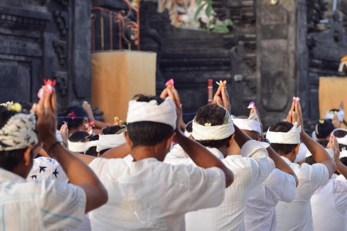Kuningan Day in Nusa Lembongan
