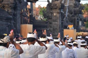 Balinese praying on Kuningan Day, May 31, 2014 Nusa Lembongan