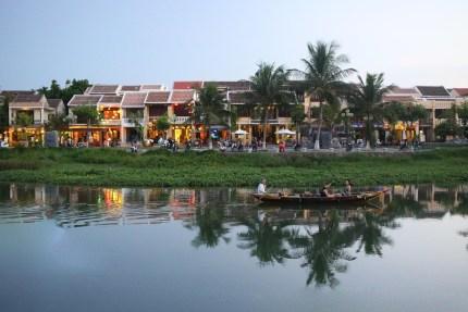 Restaurants and Bars of An Hoi
