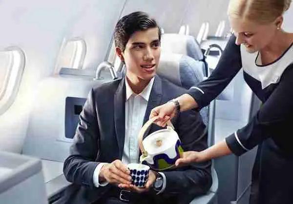 Finnair business man green tea 01 Low
