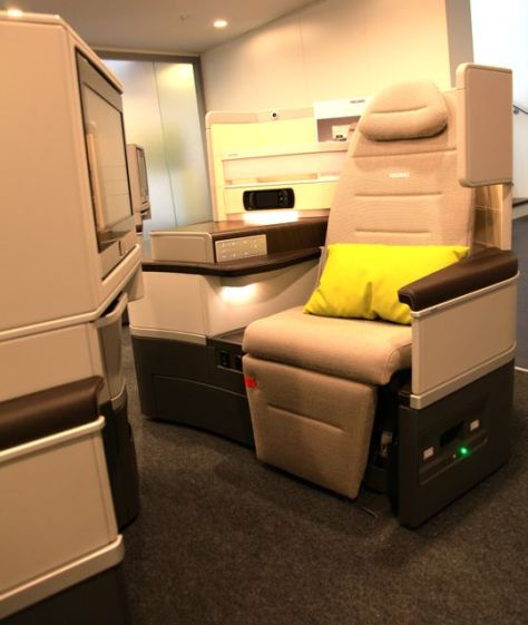Recaro Business Class Seat Pod Upright Position, Image © Flight Chic