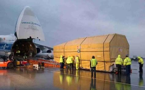 Inmarsat-5 F2 boarding its Antonov AN-124 in LAX, destined for Kazakhstan/Inmarsat