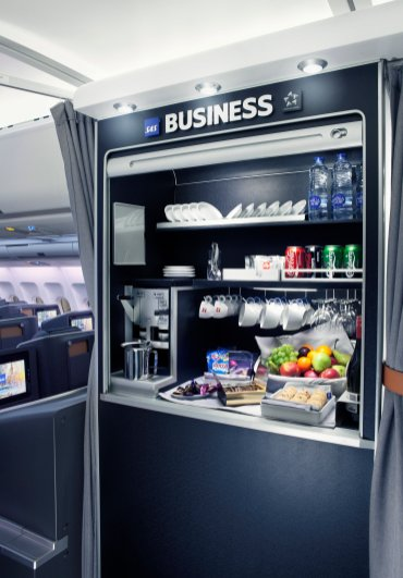 SAS Business class self-service snack and beverage bar. Source: SAS