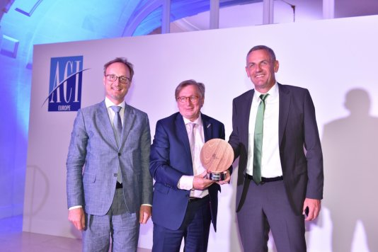 This year's Eco-Innovation Award, which is awarded by the independent Advisory Board of Airport Carbon Accreditation, went to Munich Airport. Dr. Michael Kerkloh, CEO © ACI EUROPE