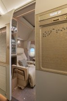 Emirates First Class Suite 777