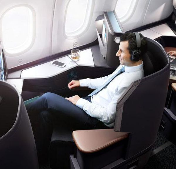WestJet Dreamliner Business Class cabin rendering.