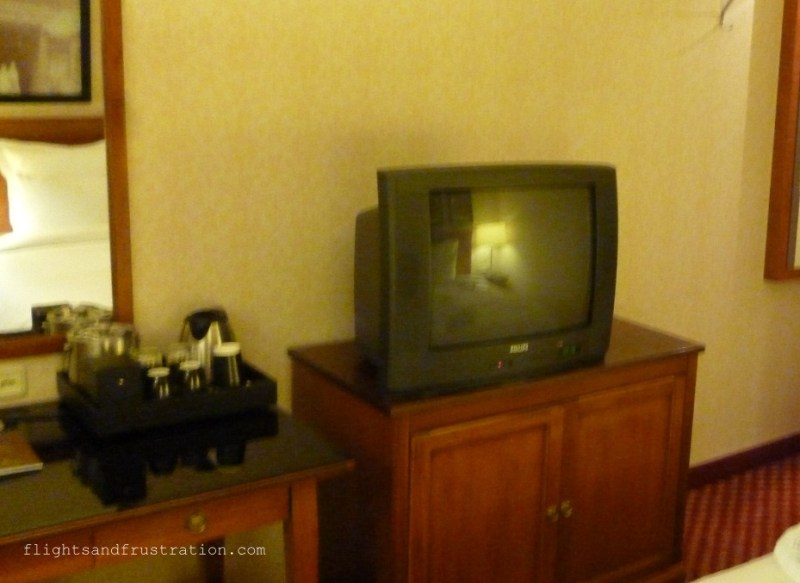 Old style bulky TV and tea and coffee at The Renaissance Hotel