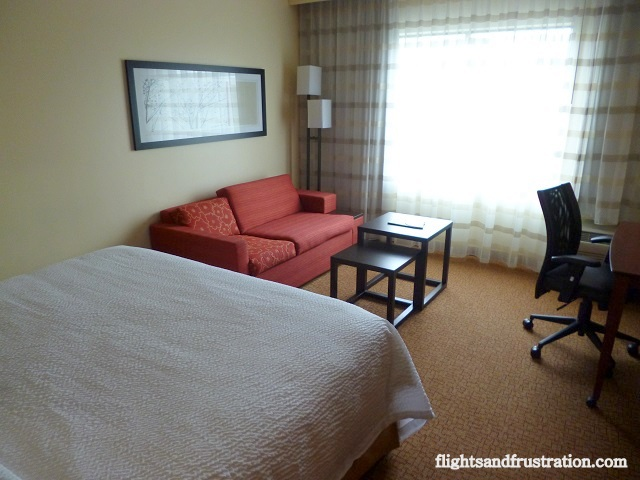Courtyard Marriott Pittsburgh at Settlers Ridge bedroom