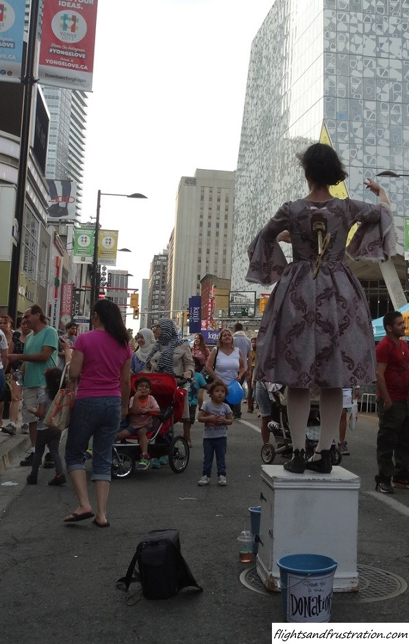 Is this a wind up act at Buskerfest Toronto (9)
