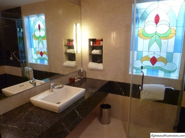Nice bathroom but no sink plug