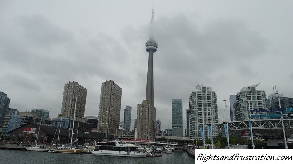 The CN Tower and the harbour front at downtown Toronto attractions