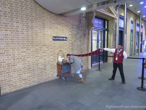What really happens at the Kings Cross station Platform 9 3/4