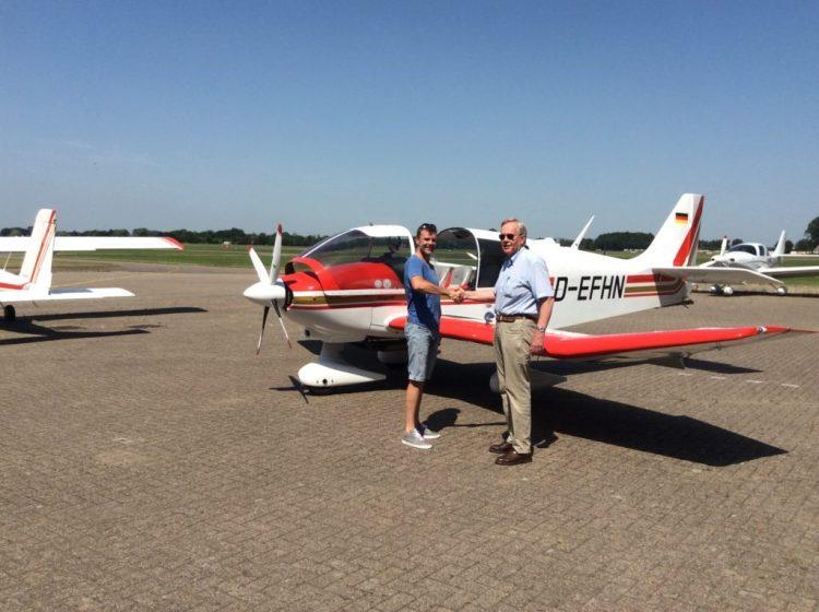 Dennis Panhuisen (Links) en zijn instructeur Ruud Daverschot.