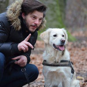 Un hombre y su mascota
