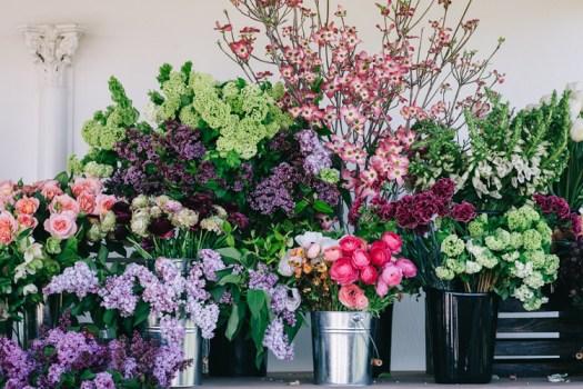 flirty fleurs florist workshop - spring flowers on display at floral design workshop
