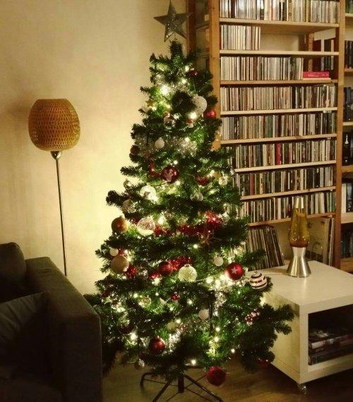 Happy moments christmas tree