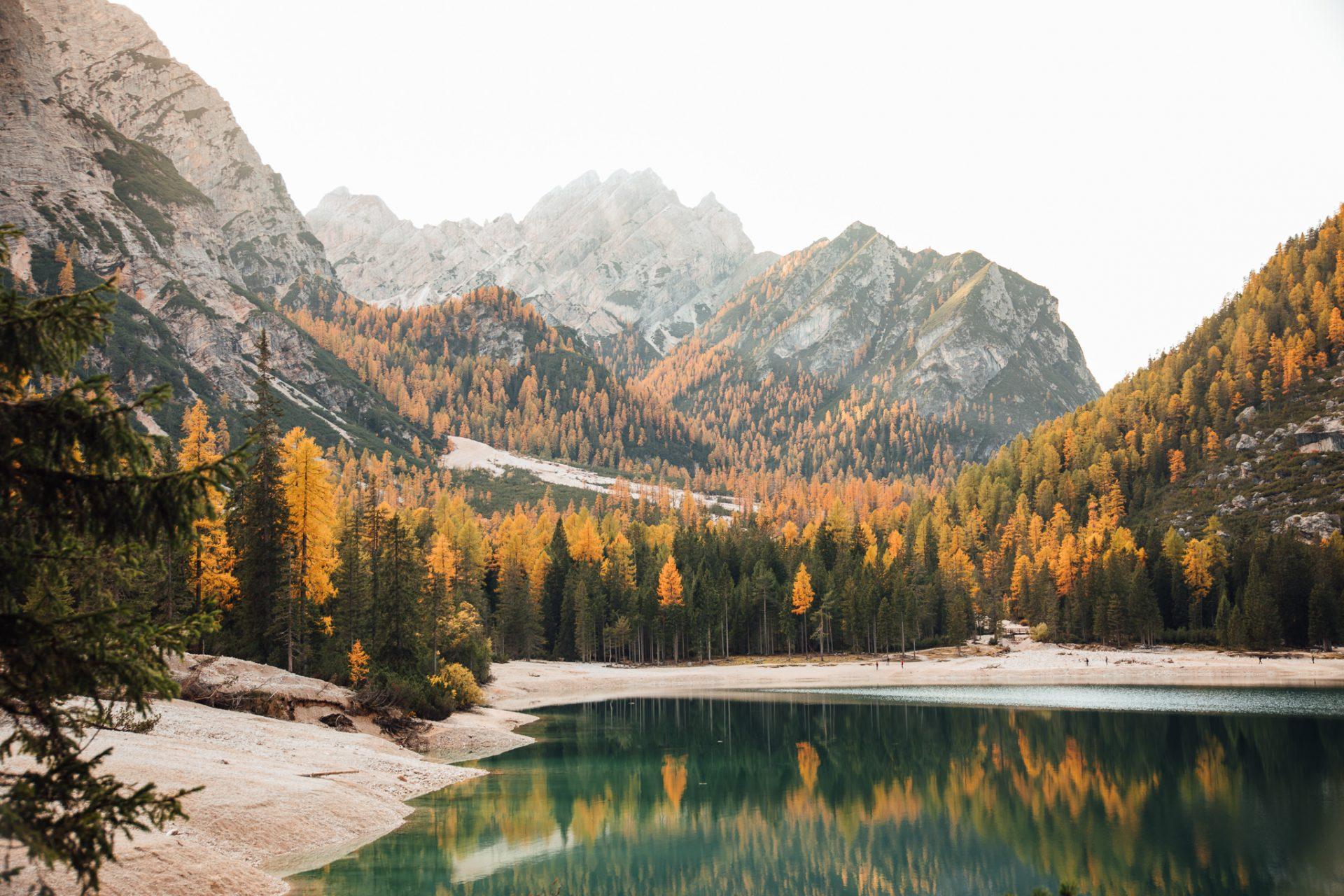 lago-di-braies-najpiękniejsze-jeziora-w-dolomitach