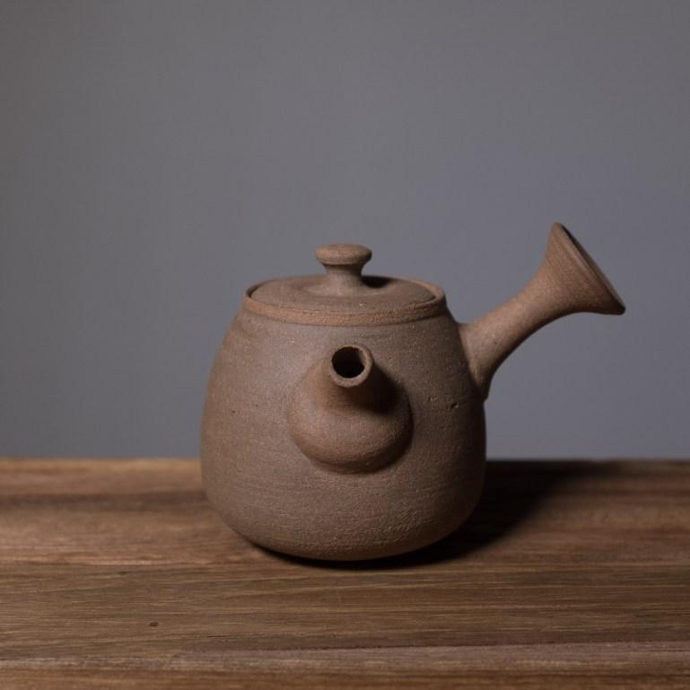 Inge nielsen oglaserad kyusu - tebutik floder och berg / kinesiskt te