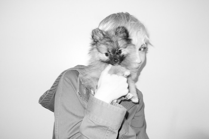 miley-cyrus-dog-moonie-terry-richardson-5