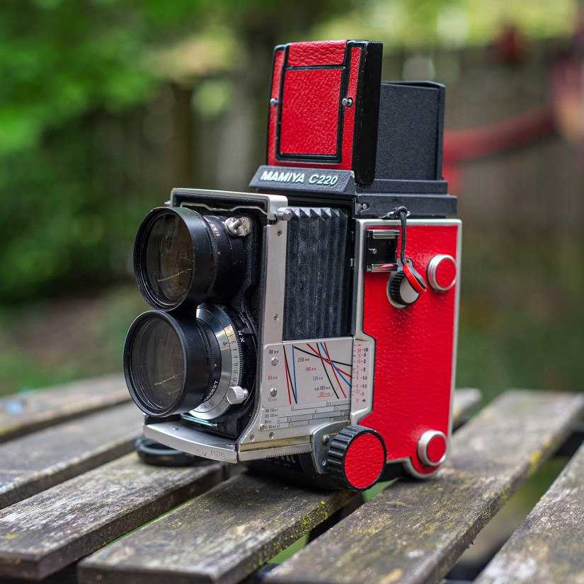 Mamiya C220 side and extended