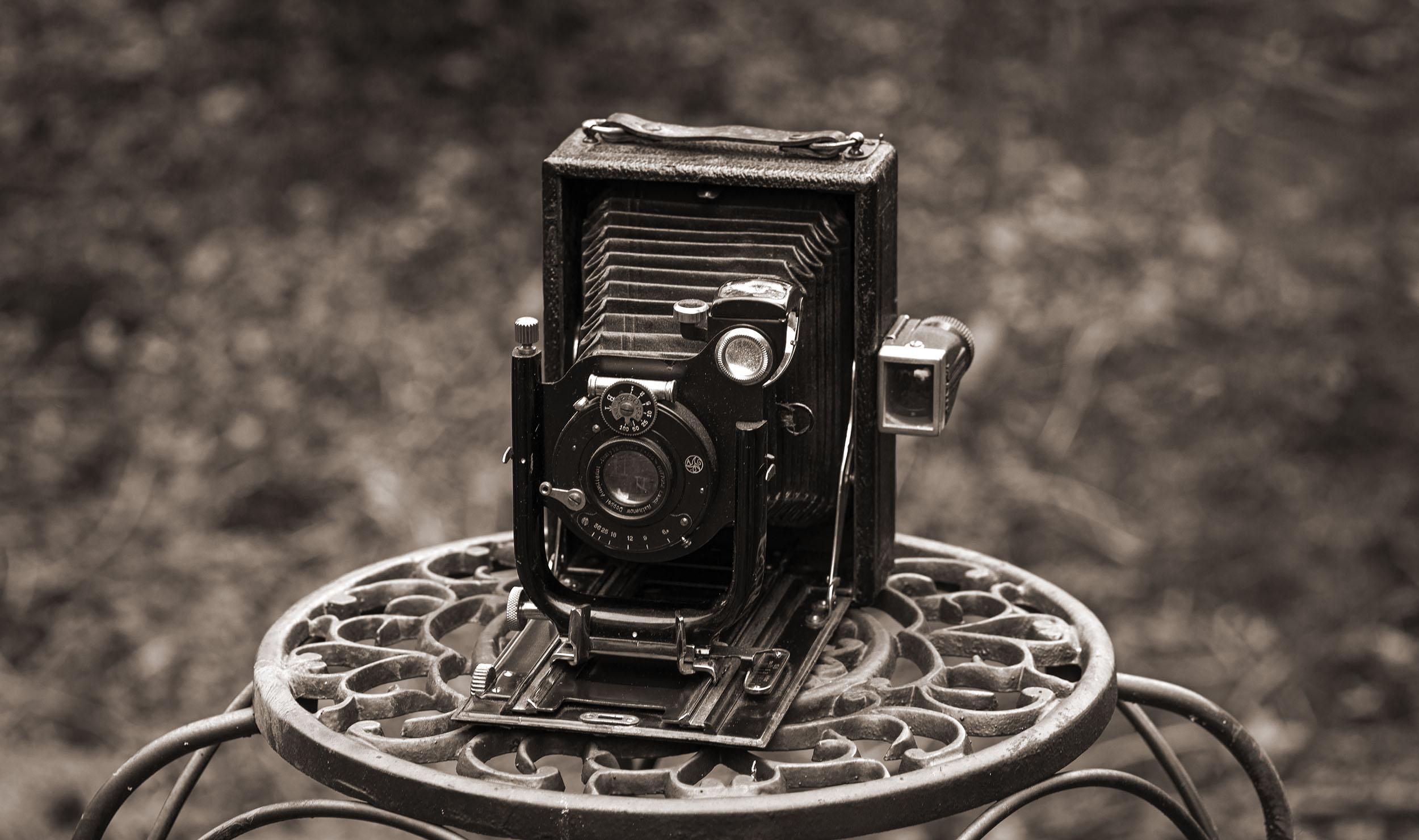Graflex large format folding camera