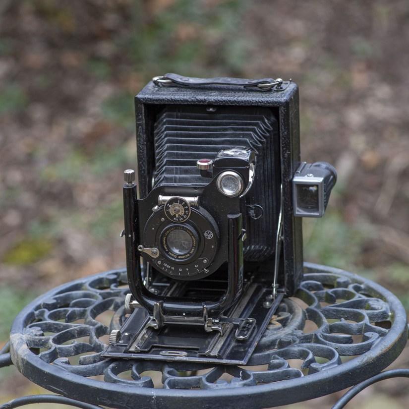 Graflex camera - opened