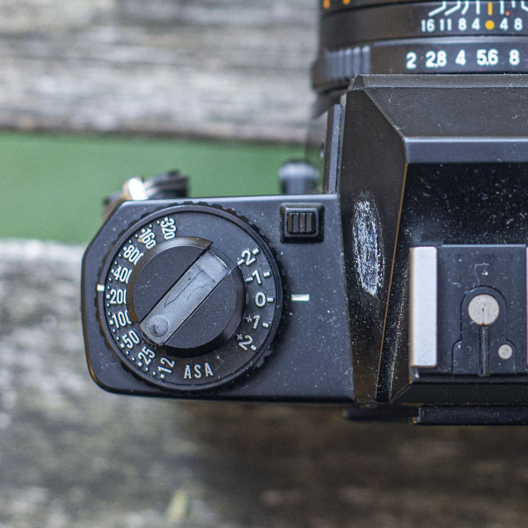 Mamiya ZE-2 exposure dial