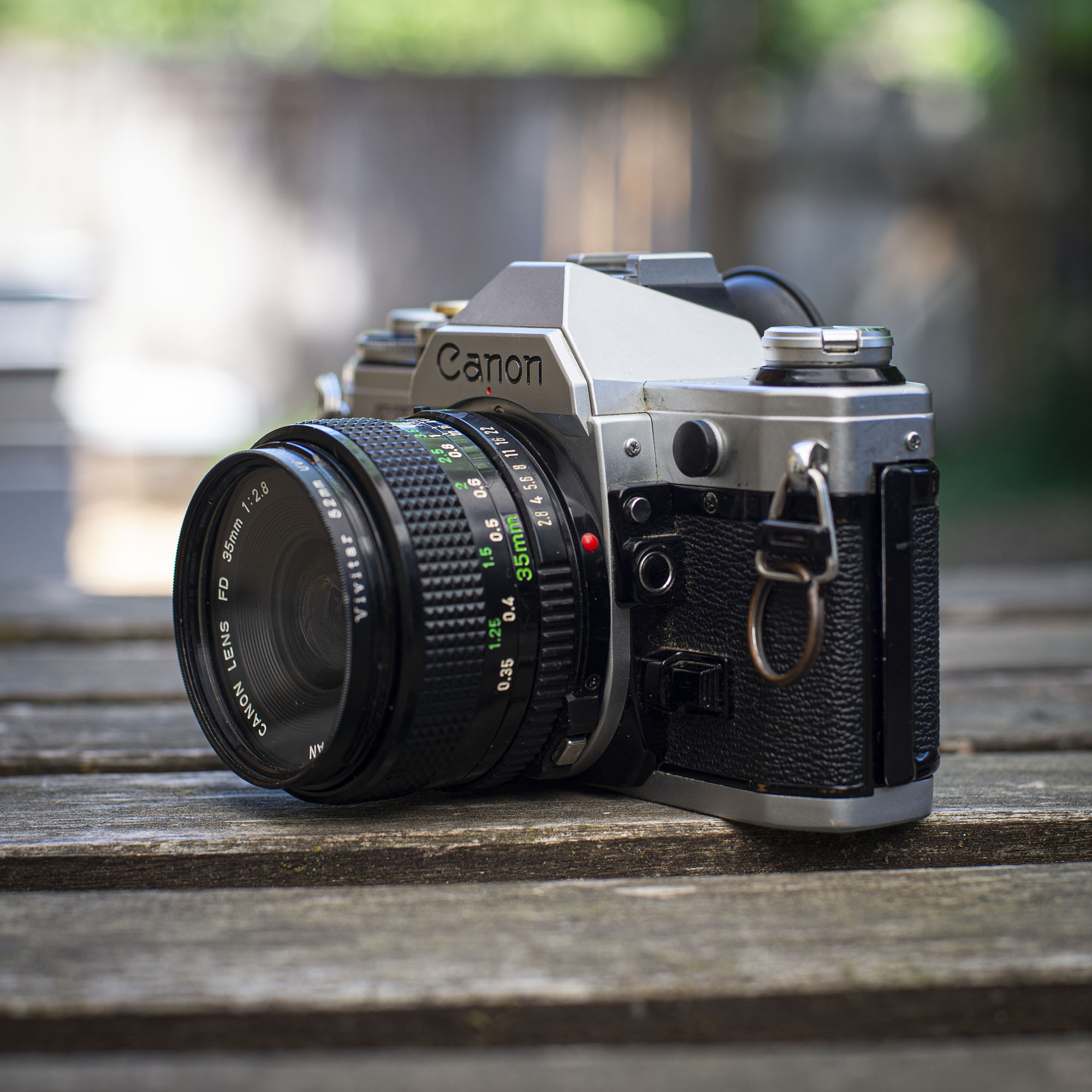 Canon AE-1 left side