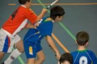Jorge luchando la bola contra el Fénix