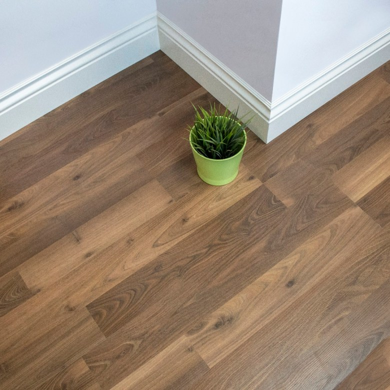 Robina Laminate flooring best brand, Affordable and high quality materials. One of the top designs of laminate wood floor in floor expo uae. Near flooring company.