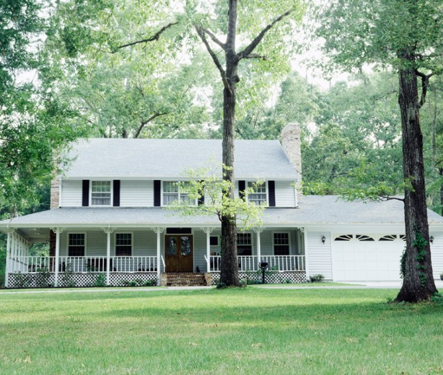 Strecker Classic Farmhouse
