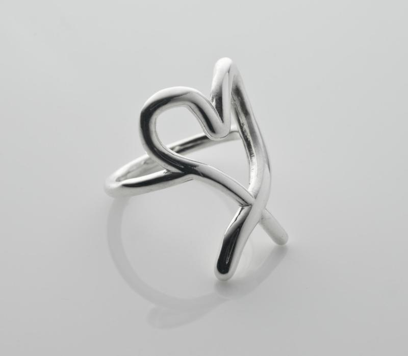 Mairead-deBlaca-The-perfect-imperfect-heart-ring Floralesque