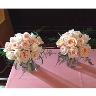 Peach & cream roses bouquets
