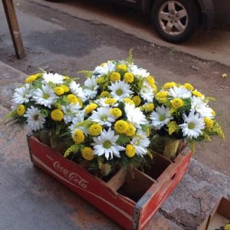 Daisies & garden flowers wedding